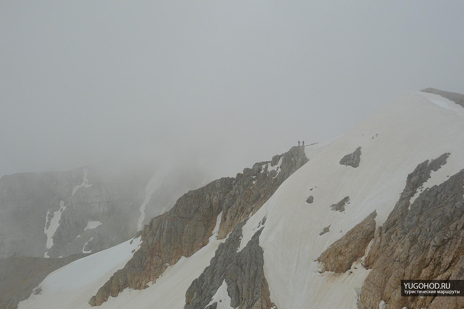 Гора в облаке