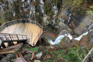 Парк Менделиха - водопад Золотой
