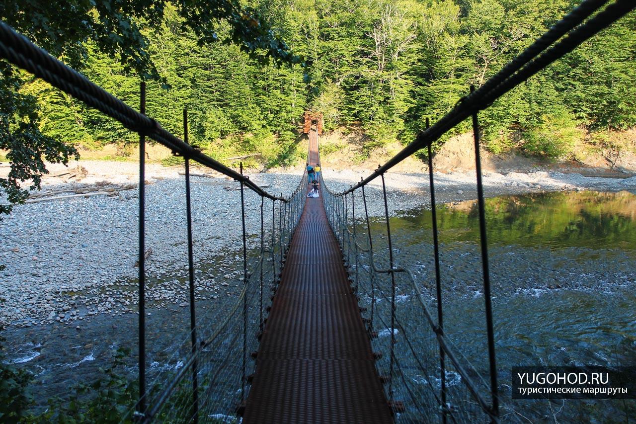 Подвесной мост в пос. Никель
